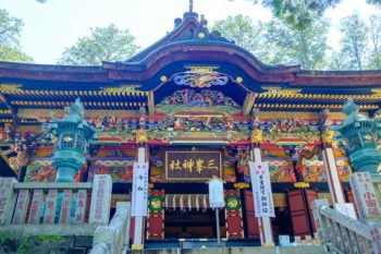 三峯神社の拝殿