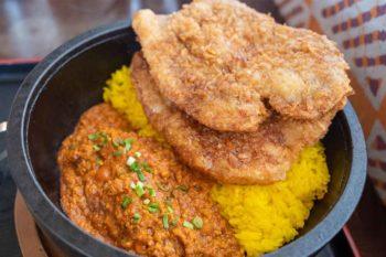 ほんとのインド料理とカレーの店の秩父わらじカツカレー
