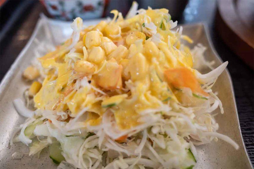 ほんとのインド料理とカレーの店の秩父わらじカツカレーのセットのサラダ